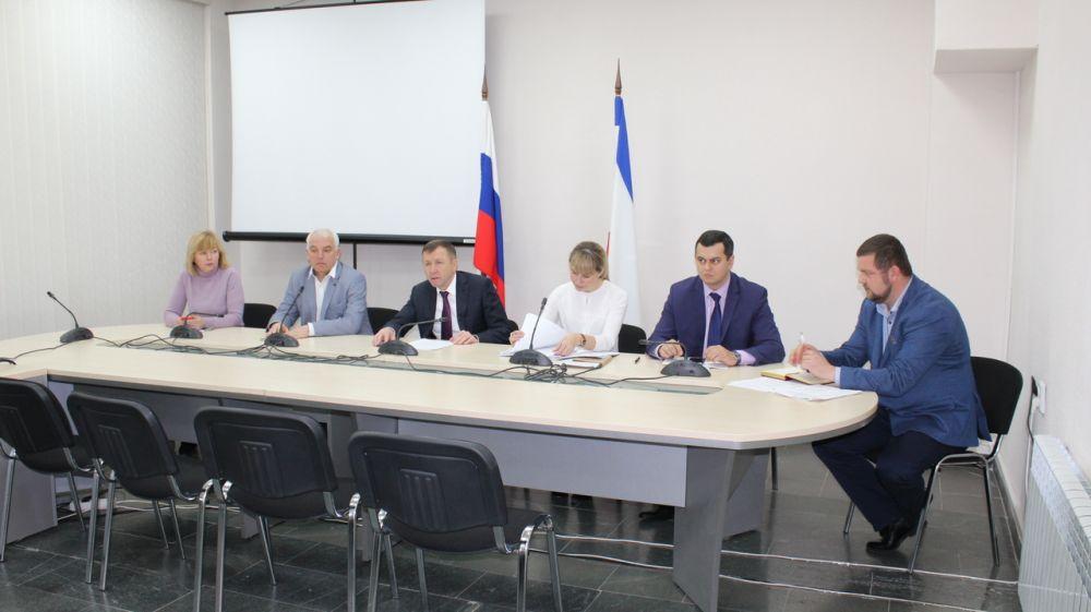 Геннадий Нараев провел совещание по вопросам рекультивации земель