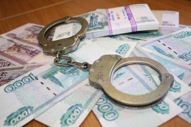 Два симферопольца обворовывали пенсионеров, предлагая им купить массажеры