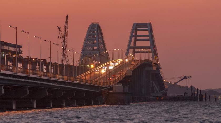 Половина железной дороги Крымского моста уже готова