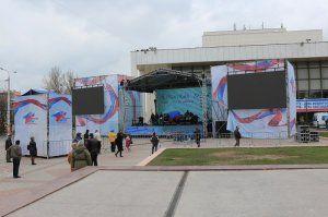 На концерте в честь 5-летия Крымской весны в Симферополе выступят Тимати и «Любэ»