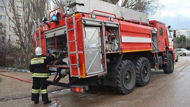 Массовая эвакуация: в Джанкое горела квартира в пятиэтажке