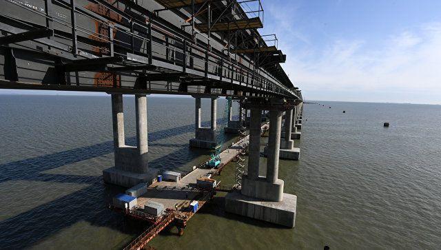 Опоры Крымского моста защитили от возможного тарана корабля