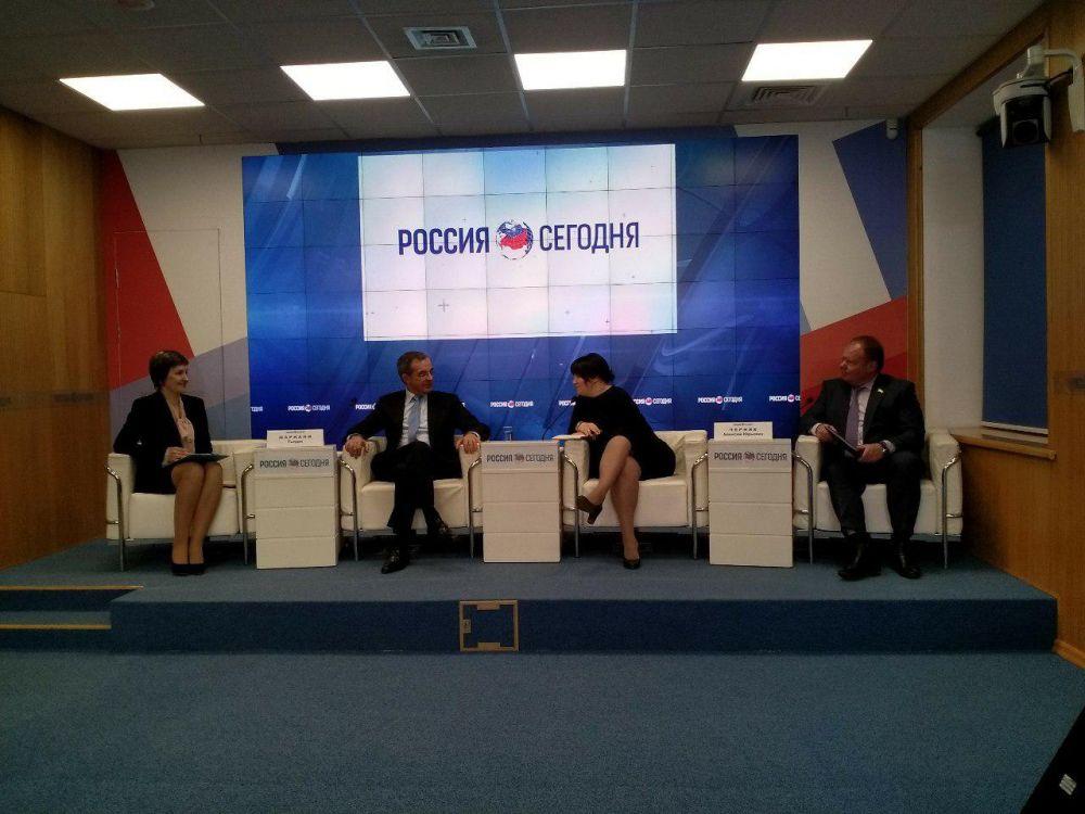 «Продолжая санкции Европа сама себе стреляет в ногу», - кандидат в депутаты Европарламента Тьерри Мариани