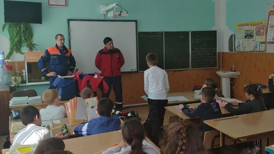 Сергей Шахов: Уроки безопасности проводятся крымскими спасателями на постоянной основе во всех учебных образовательных учреждениях полуострова