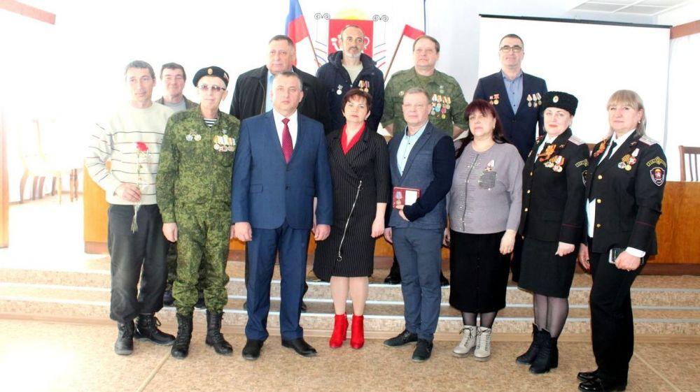 В Администрации Ленинского района состоялось торжественное собрание, посвященное 5-й годовщине Общекрымского референдума 2014 года и воссоединению Крыма с Россией