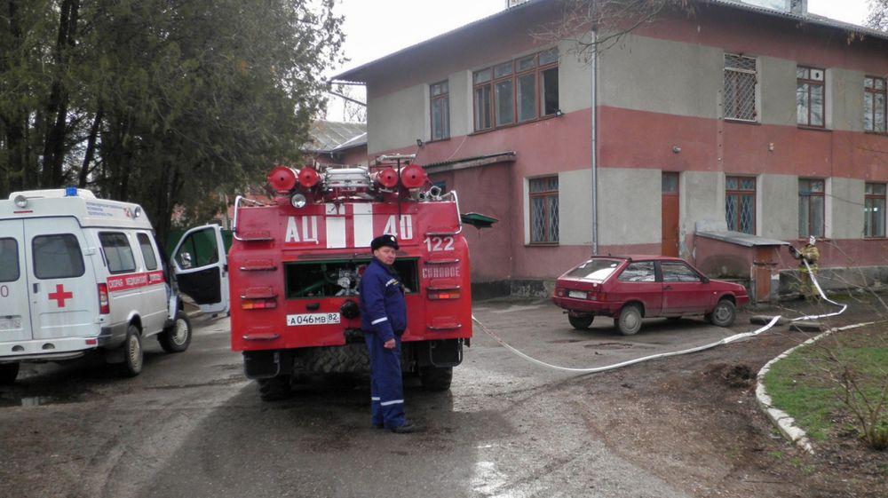 Огнеборцы ГКУ РК «Пожарная охрана Республики Крым» провели тренировку с сотрудниками скорой медицинской помощи на базе амбулатории