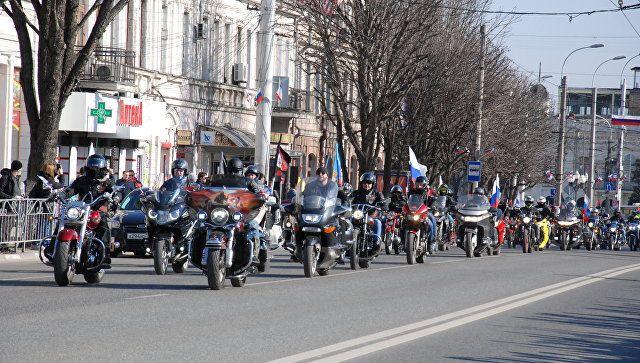 Тысячи авто и байков: в годовщину референдума в Крыму стартовал автопробег