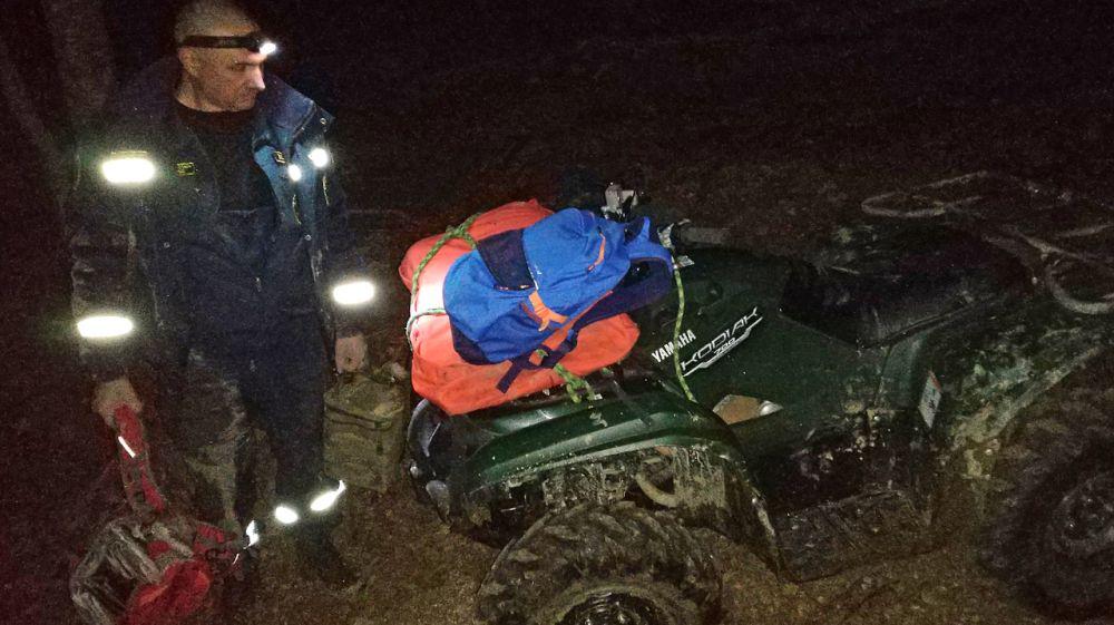 Сотрудники «КРЫМ-СПАС» провели успешную эвакуацию мужчины с травмой ноги из горно-лесной зоны