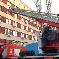 Керченские огнеборцы провели учения в городской больнице