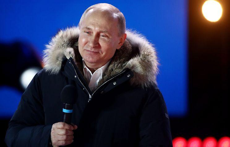 Севастопольцев и крымчан Путин сравнил с бойцами Красной армии