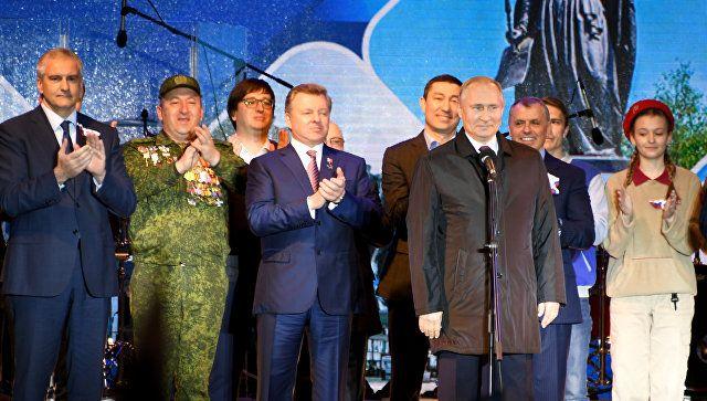 Как бойцы Красной армии: Путин поблагодарил крымчан за любовь к Родине