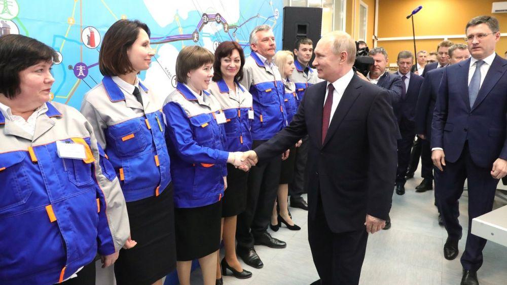 Владимир Путин дал старт работе Таврической и Балаклавской ТЭС