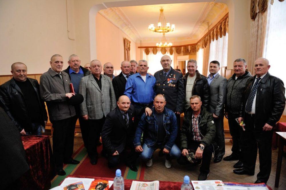 Евпаторийские полицейские поздравили ветеранов МВД с 5-летием «Крымской весны»