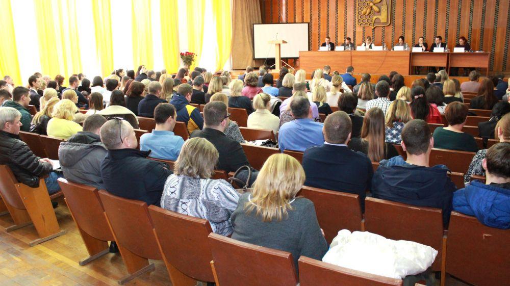 Джанкойский горрайонный отдел Госкомрегистра по результатам работы в феврале занял первое место в ведомственном рейтинге терподразделений