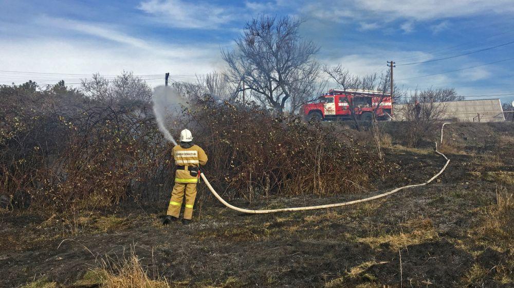 Сергей Шахов: В МЧС Республики Крым обеспокоены достаточно большим количеством возгораний сухой растительности