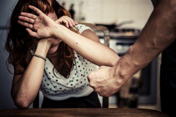 Мужчина решил отомстить за развод бывшей жене и сбил её на бешеной скорости