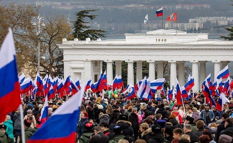 От бомбардировок Югославии до воссоединения Крыма с РФ: народ бросает вызов новому западному фашизму