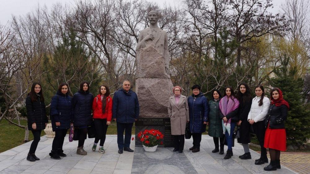 В республиканских учреждениях культуры прошли торжества, приуроченные к 168-летию Исмаила Гаспринского