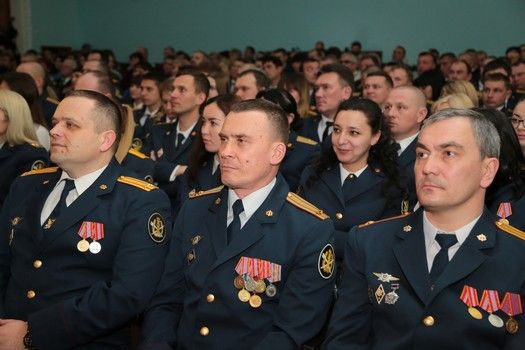 Первый вице-спикер крымского парламента Ефим Фикс поздравил сотрудников уголовно-исполнительной системы с профессиональным праздником