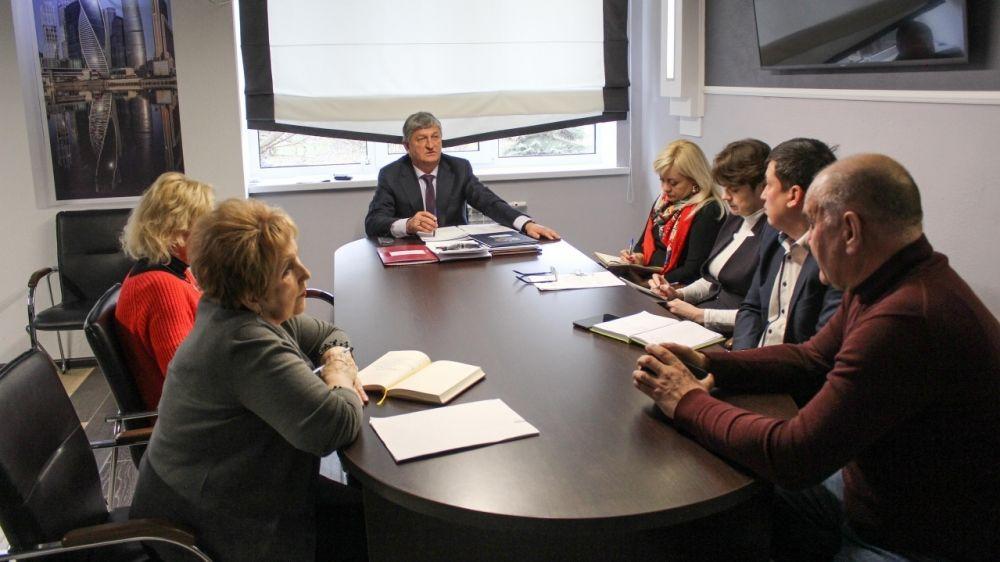 Глава администрации Андрей Ивкин провел аппаратное совещание со своими заместителями