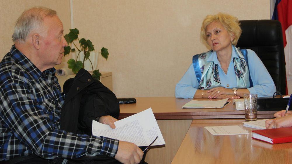 Глава округа провела прием граждан в Приморском