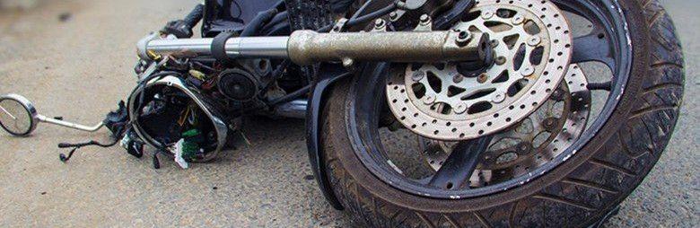 В Крыму в результате столкновения мопеда с иномаркой пострадал несовершеннолетний водитель