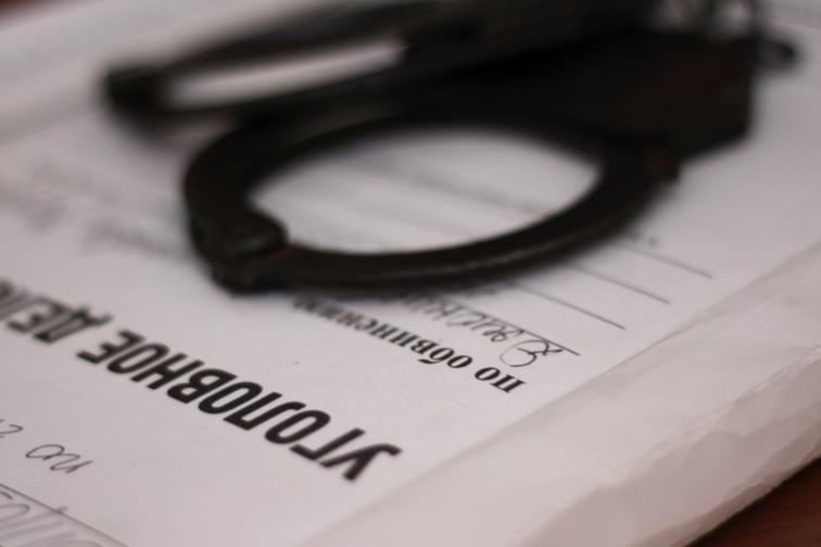 До 10 лет тюрьмы грозит жителю Белогорска за нападение на соседа