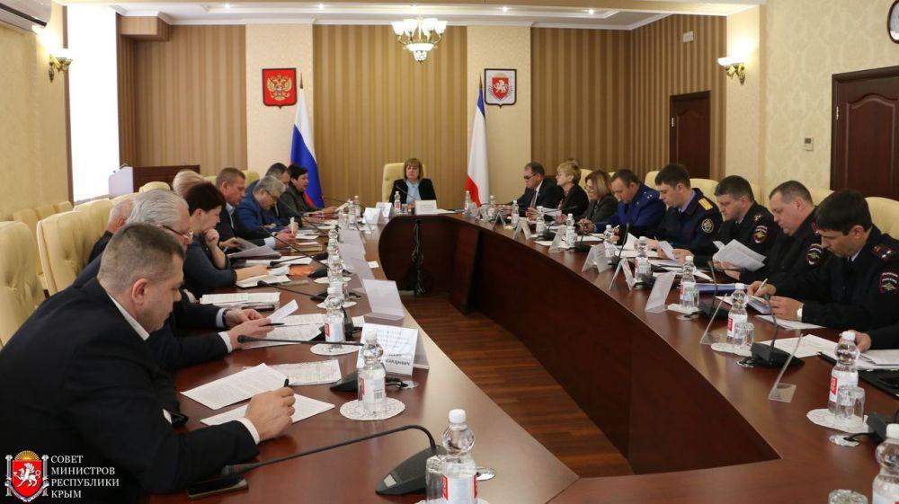 Алла Пашкунова провела заседание Республиканской комиссии по делам несовершеннолетних и защите их прав