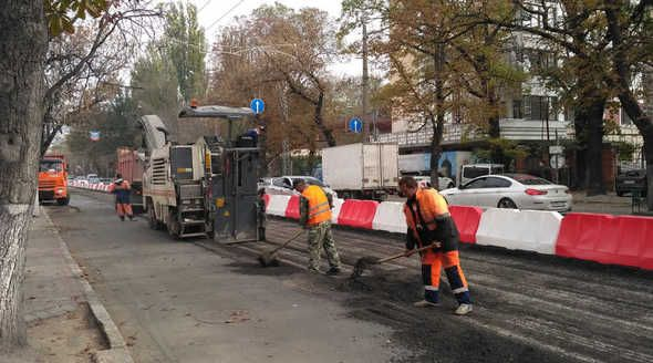 Текущий ремонт в этом году охватит в Симферополе 40 тыс кв. м дорог и тротуаров