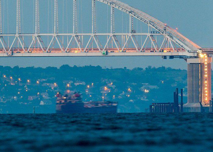 Последние железнодорожные пролеты Крымского моста были соединены