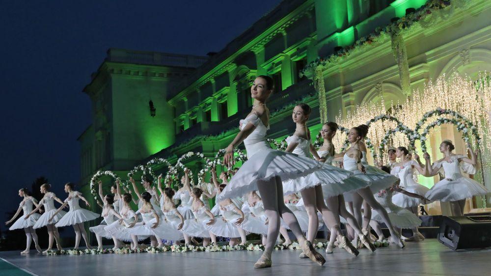 Глава Крыма поздравил работников культуры с профессиональным праздником
