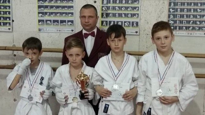 Феодосийские каратисты стали призерами республиканских соревнований