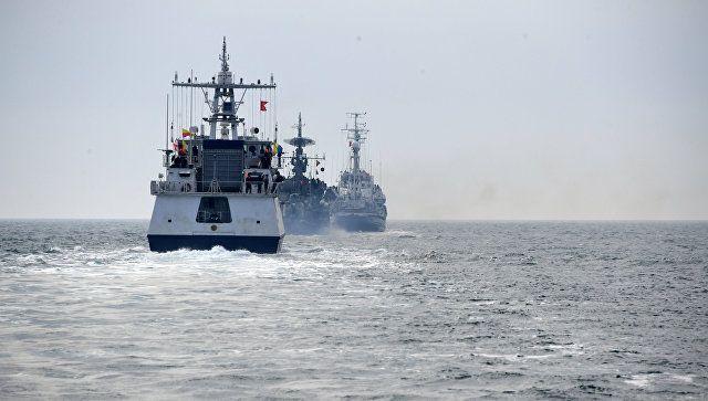 Огонь по цели: видео учений пограничников, ФСБ и ЧФ в Черном море