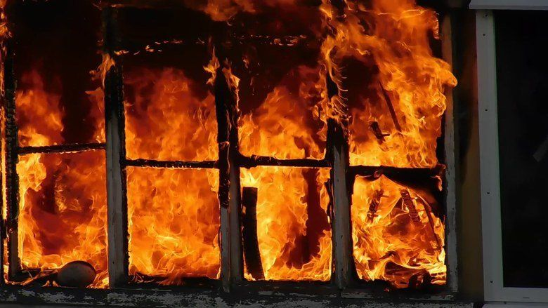 На пожаре под Симферополем погибла 77-летняя женщина