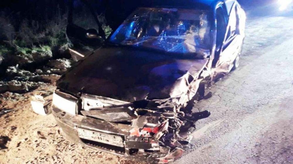 Крымские спасатели ликвидировали последствия дорожно-транспортного происшествия в г. Феодосия