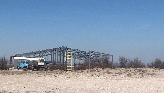 Власти Крыма заявили о приостановке строительства креветочной фермы под Саками