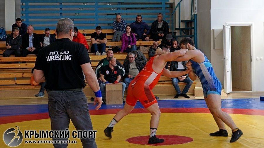 Cюжет о чемпионате ЮФО по вольной борьбе