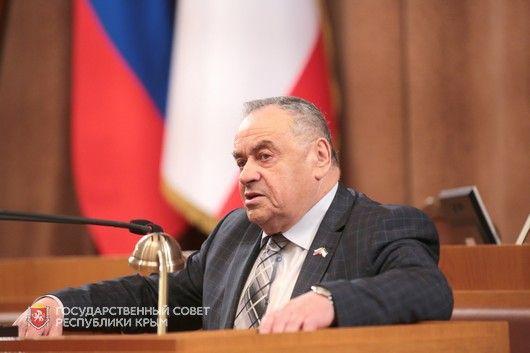 Ефим Фикс поздравил крымчан с Днем Конституции Республики Крым