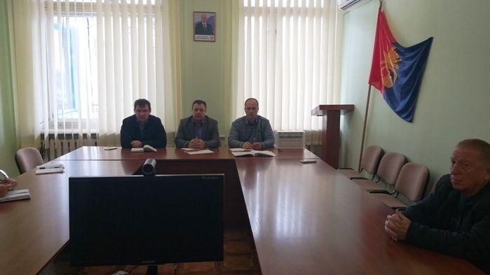 Руслан Комиссаров провел совещание по обеспечению деятельности автомобильных перевозчиков на территории Советского района