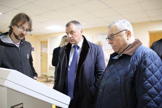 Владимир Константинов посетил Симферопольскую поликлинику № 4
