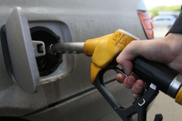 Минэнерго разрабатывает меры по сокращению разрыва в ценах на топливо в Крыму и ЮФО