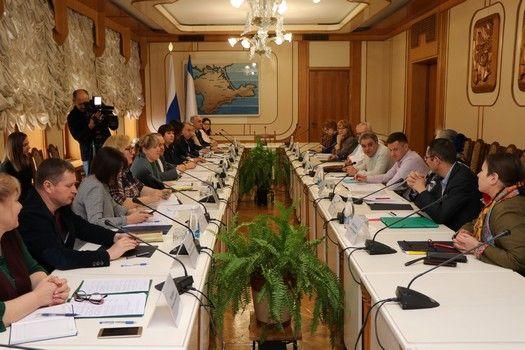 Подготовку к V Международному гуманитарному Ливадийскому форуму обсудили в крымском парламенте
