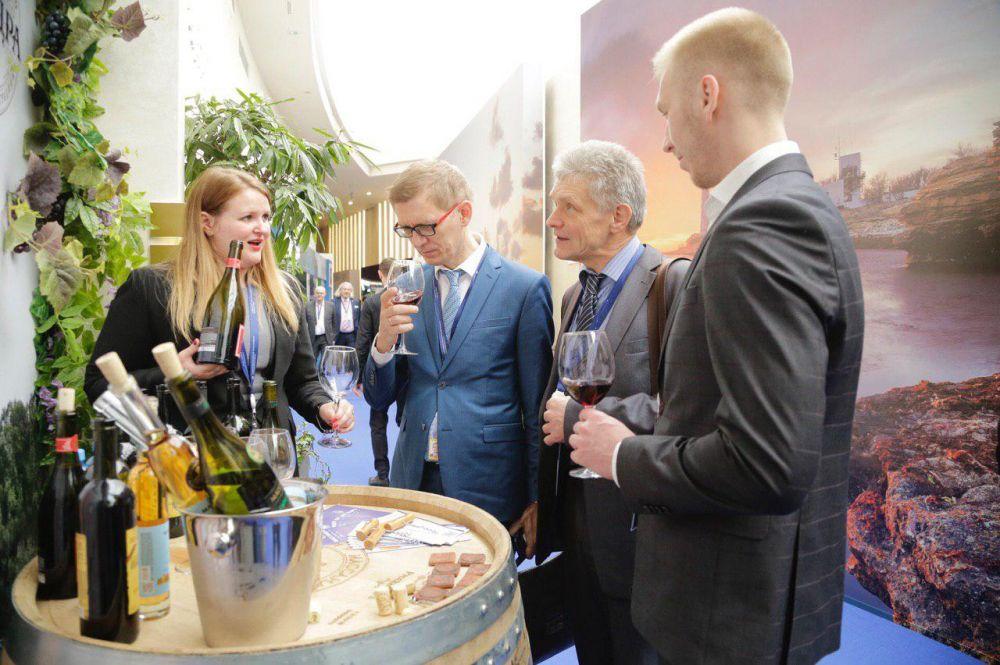 Французы планируют производить вино в Крыму, — Константинов