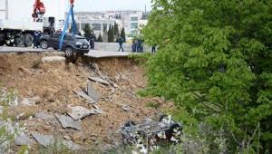 В Севастополе вернули свет в дом, возле которого обвалилась парковка