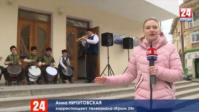 Танцы, хороводы, песни и национальная кухня. Крым отмечает День возрождения реабилитированных народов