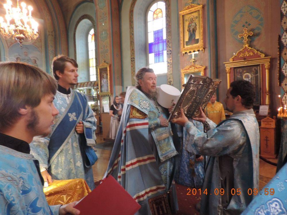 Глава Крыма поздравил митрополита Лазаря