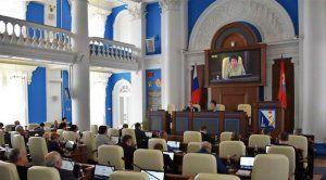 Председатель Заксобрания Севастополя заработала в 1,5 раза меньше крымского спикера