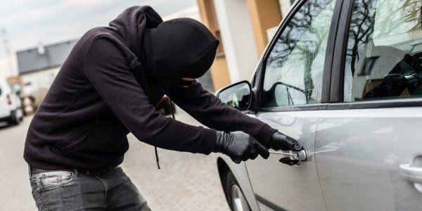 В Симферополе работник СТО угнал машину у коллеги