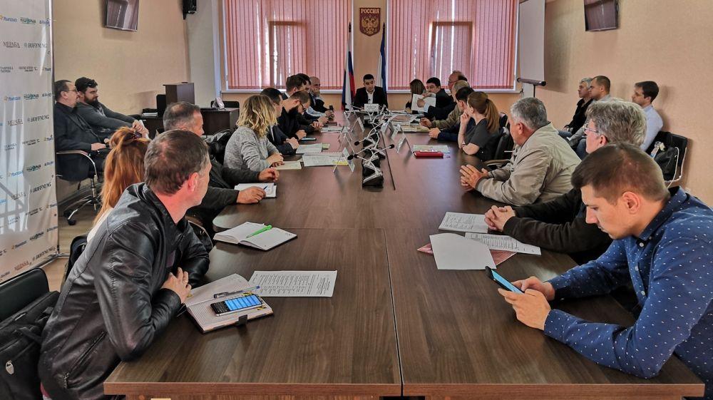 Эльмар Мамбетов провел совещание по вопросу дорожного строительства на территории массивов компактного проживания реабилитированных народов Крыма