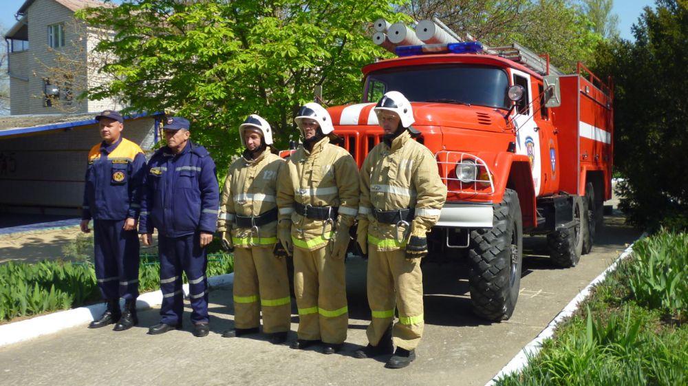 В зонах своей ответственности сотрудники ГКУ РК «Пожарная охрана Республики Крым» продолжают тренировки на объектах с массовым пребыванием людей